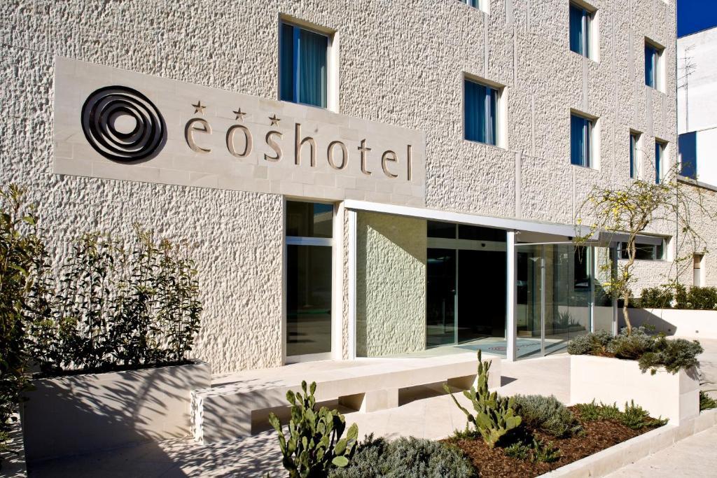 Отель  Eos Hotel  - отзывы Booking