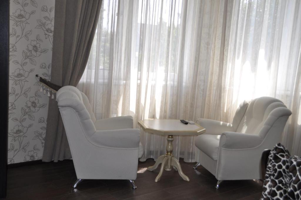 Гостевой дом  Guest House 12 Mesyatsev  - отзывы Booking