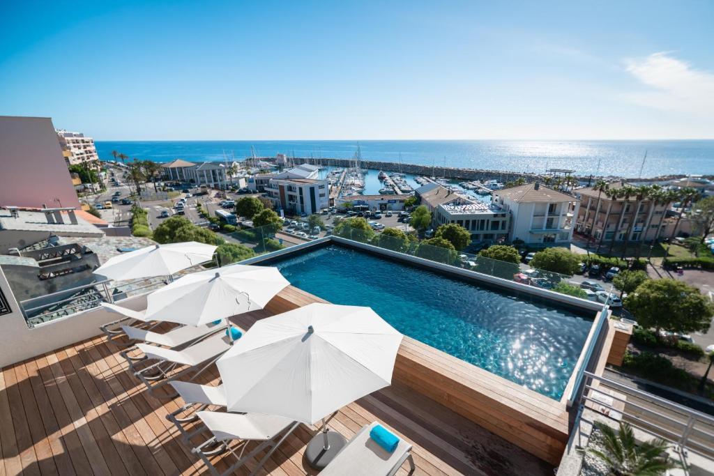Отель Hotel Port Toga - отзывы Booking