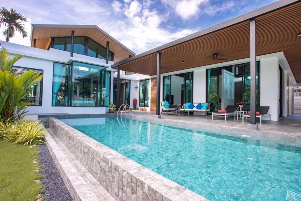 Вилла Riviera Villa, Luxury 5 Beds, Baan Bua Nai Harn