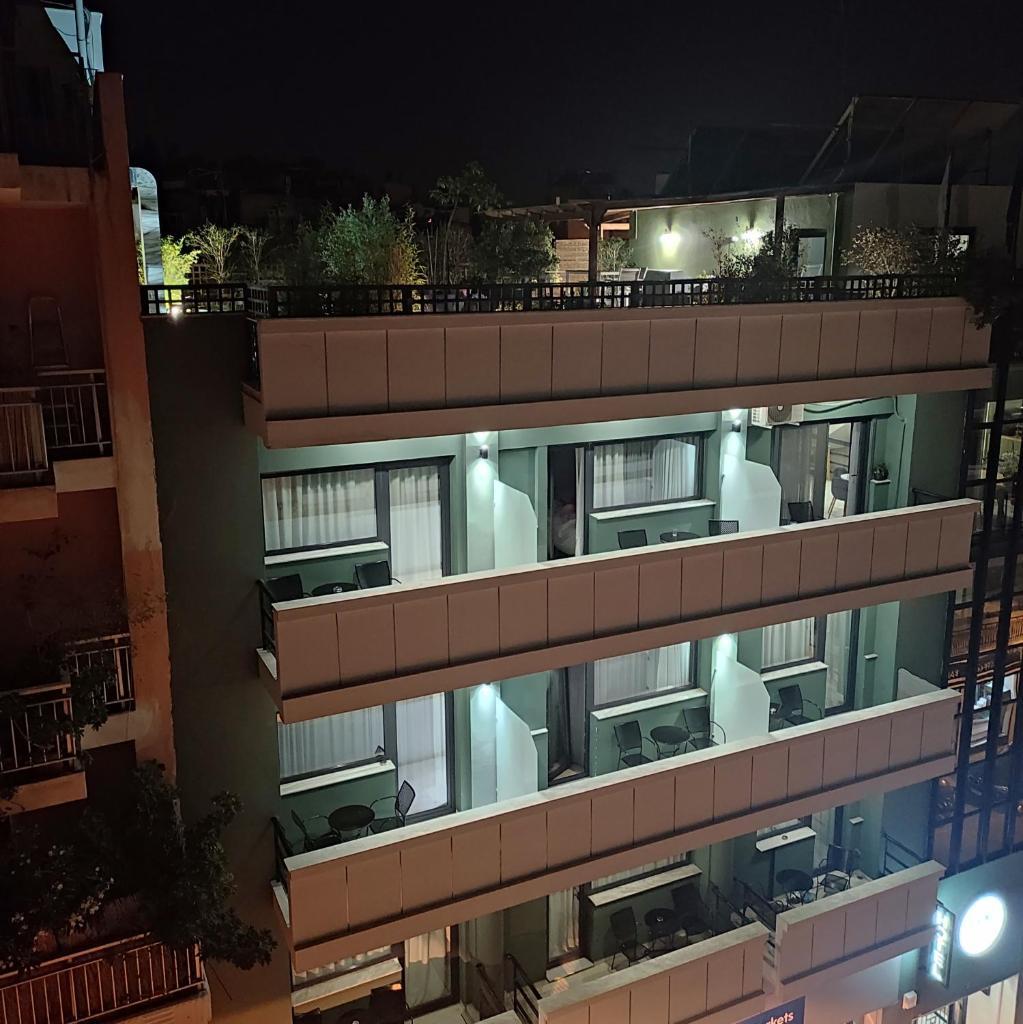 Отель  Отель  Be My Guest Athens
