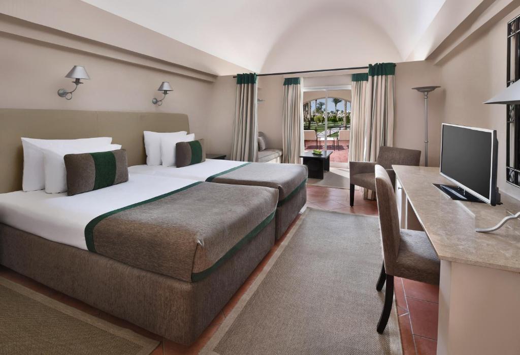 Курортный отель  Курортный отель  Jaz Makadina