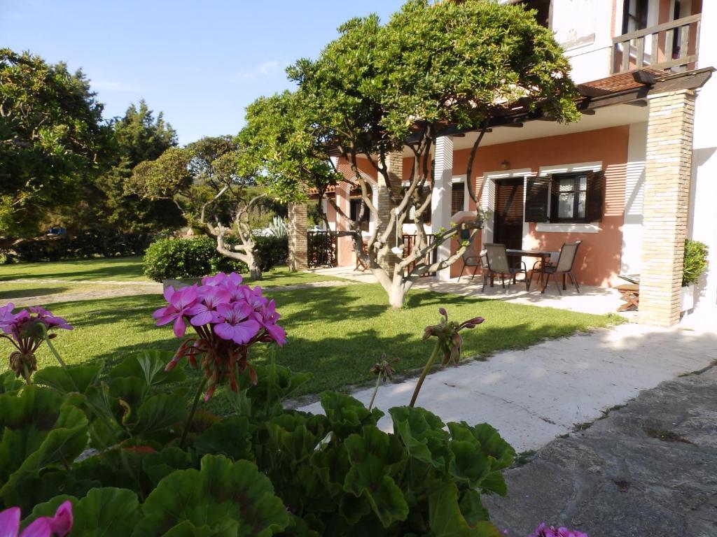 Апартаменты/квартиры  Genari Beach Apartments  - отзывы Booking