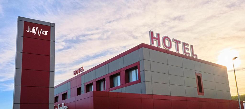 Отель  Hotel Julimar  - отзывы Booking