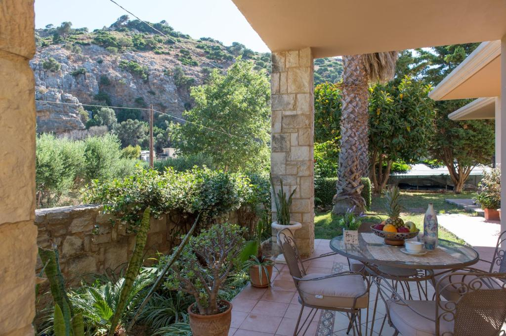 Вилла  Heraklion Comfy House with Mountain View  - отзывы Booking