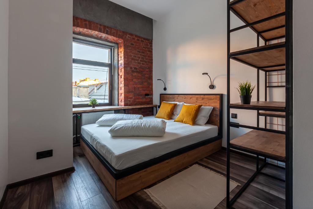 Отель  Sadovaya loft  - отзывы Booking