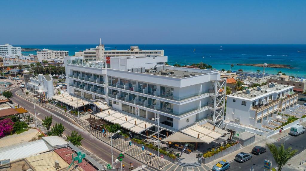 Отель  Protaras Plaza Hotel  - отзывы Booking