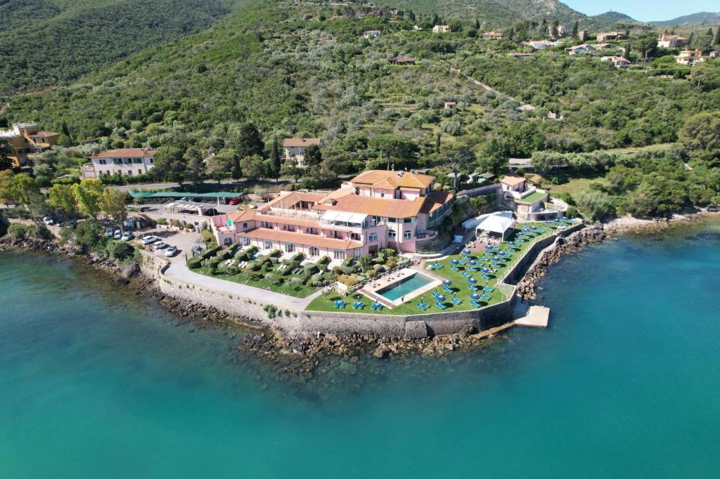 Отель  Hotel Villa Domizia  - отзывы Booking