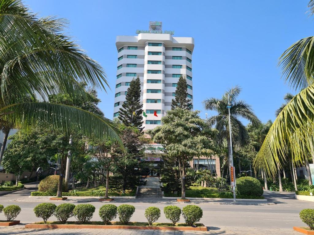 Отель Halong Plaza Hotel - отзывы Booking