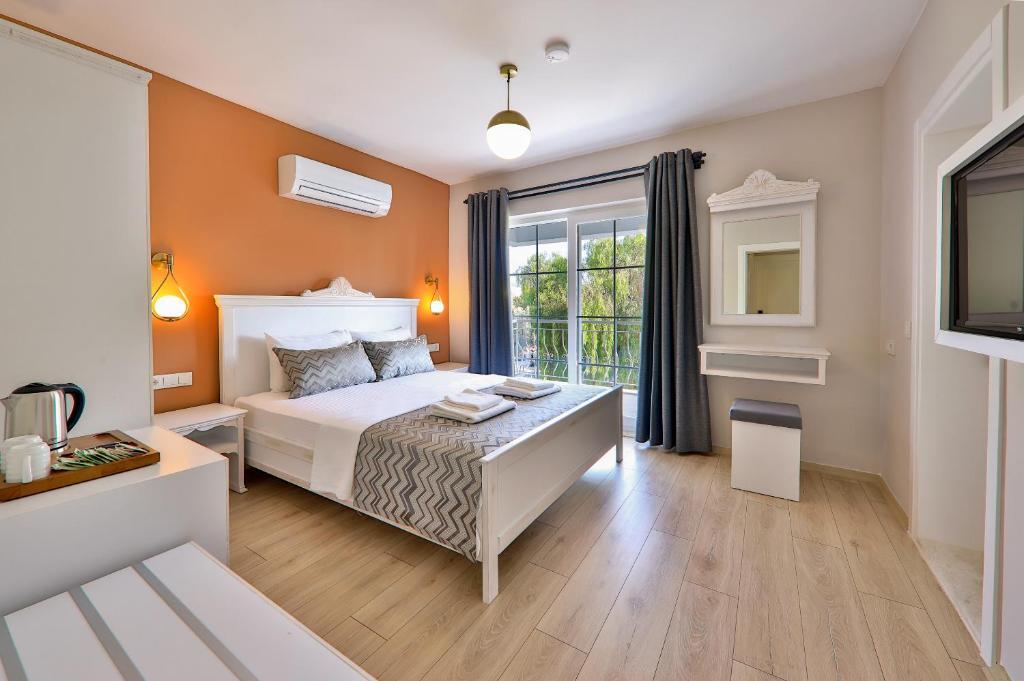 Отель Lora Kaş Hotel - отзывы Booking