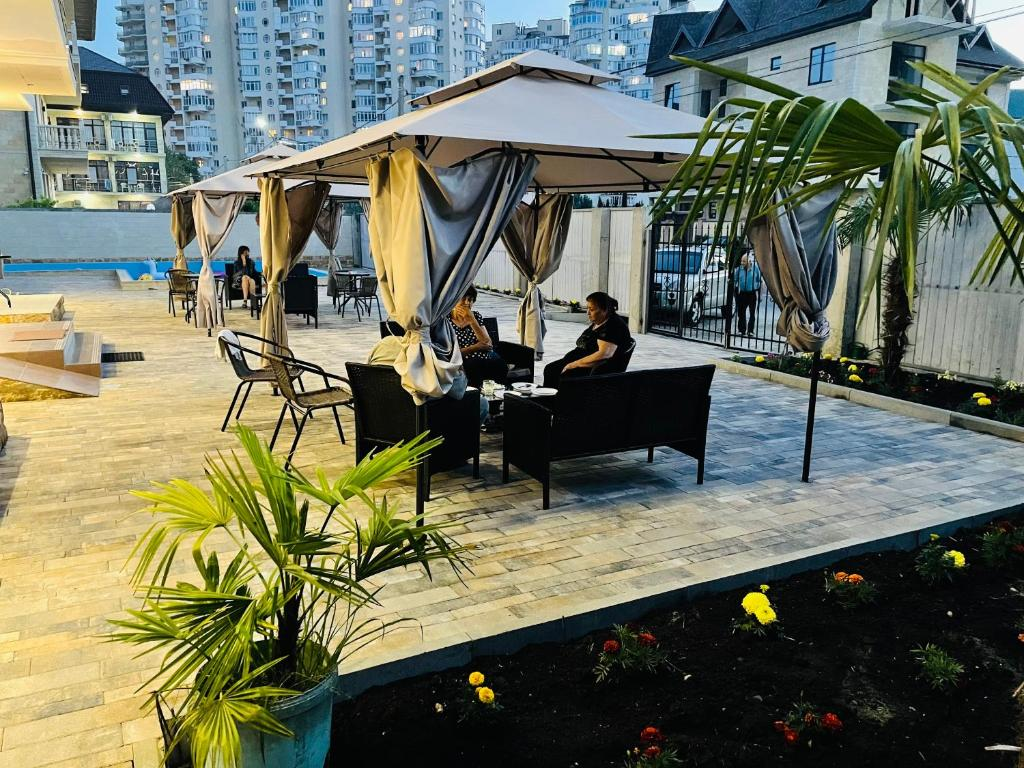 Отель Hotel Monarch - отзывы Booking