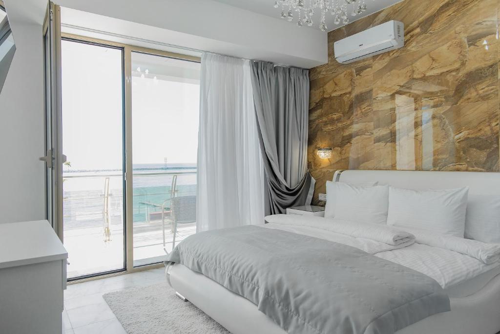 Апартаменты/квартира Апартаменты c видом на море, в отеле центр Сочи - отзывы Booking