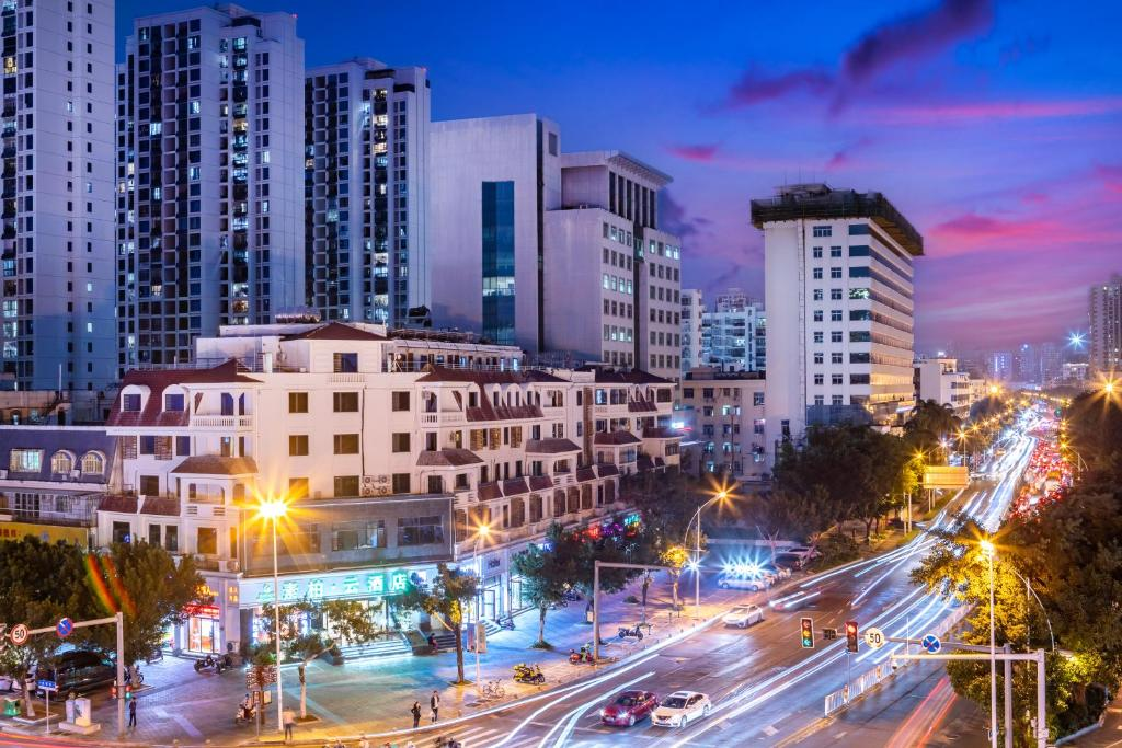 Отель  Homeinn Su Bai · Yun Hotel (Sanya Jie fang Road)  - отзывы Booking
