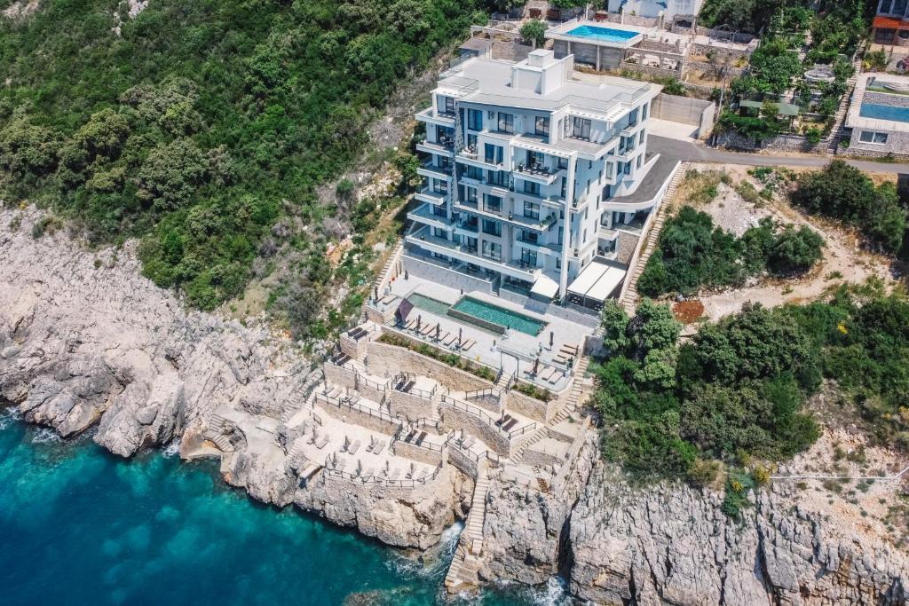 Апарт-отель  Dollaku Apartments  - отзывы Booking