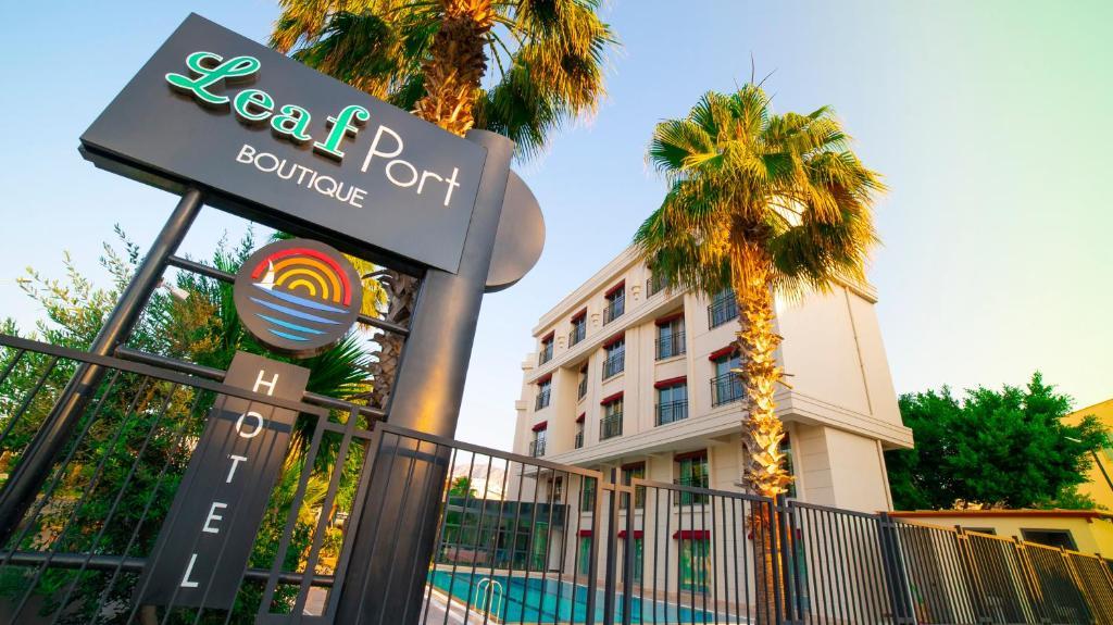 Отель  Leaf Port Boutique Hotel  - отзывы Booking
