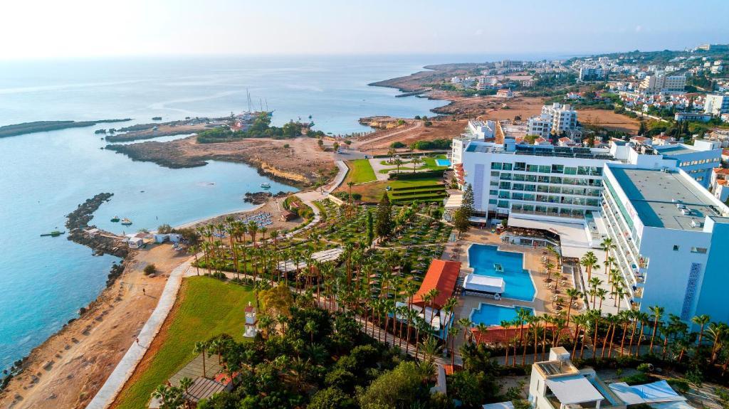 Отель Cavo Maris Beach Hotel - отзывы Booking