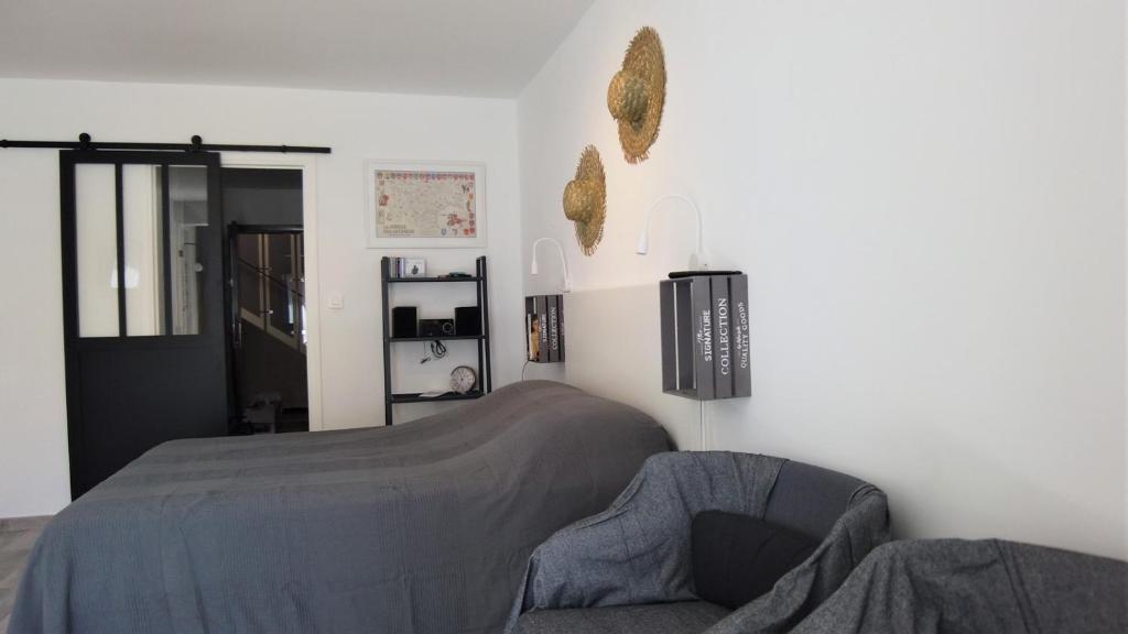 Апартаменты/квартира Studio Calme Et Lumineux 10 Mn Plage Et Centre-ville Parking Privé - Bat JUIN