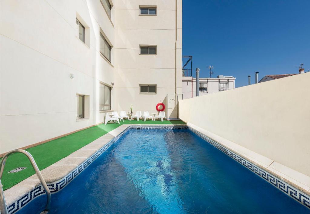 Отель Hotel Toboso Almuñécar - отзывы Booking