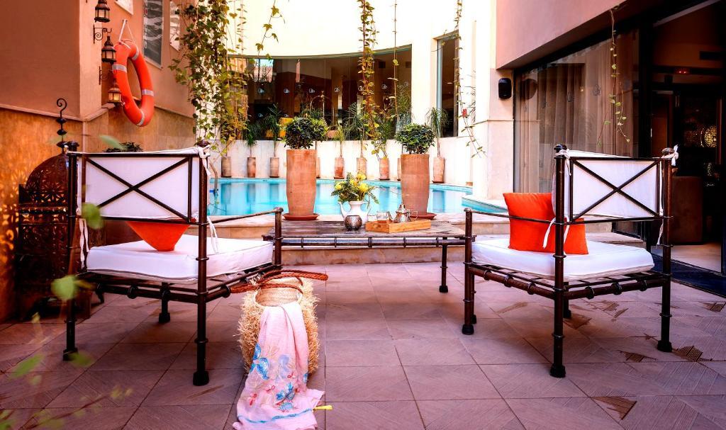 Отель  Dellarosa Boutique Hotel  - отзывы Booking