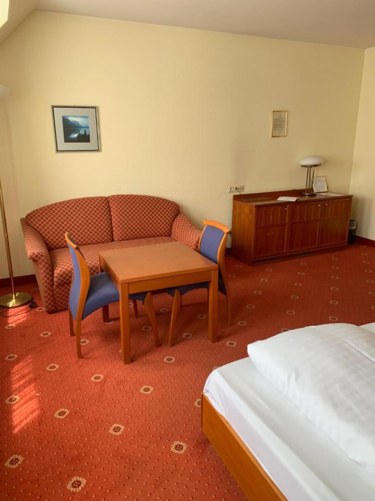 Отель  Hotel Sanotel & Apartment  - отзывы Booking