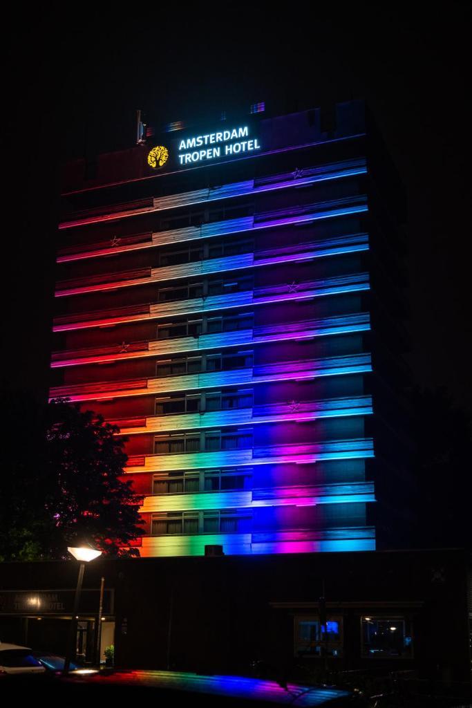 Отель Отель Amsterdam Tropen Hotel