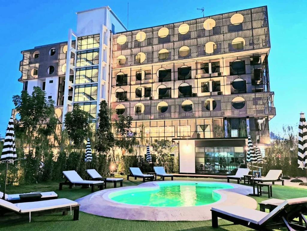 Отель Hotel Fuse Rayong - отзывы Booking