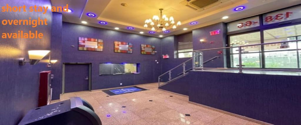 Отель  BLUE BIRD INN  - отзывы Booking