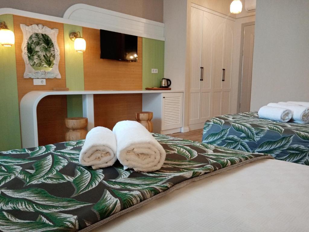 Отель  Dolphin Park Hotel  - отзывы Booking