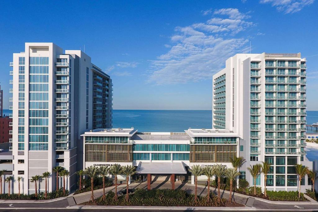 Курортный отель  Wyndham Grand Clearwater Beach  - отзывы Booking