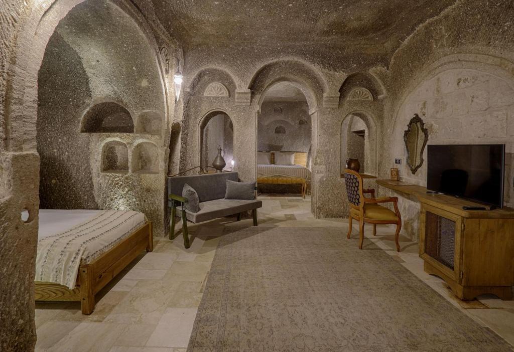 Отель  Hera Cave Suites  - отзывы Booking
