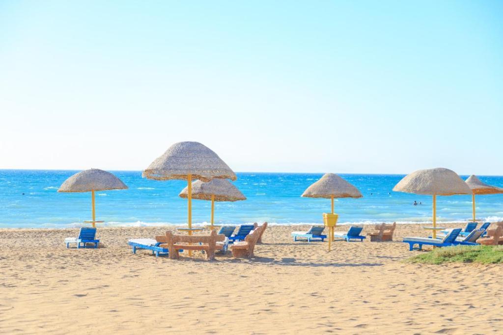 Шале 2 bedroom challet with private garden at Riviera beach resort, Ras Sudr - отзывы Booking