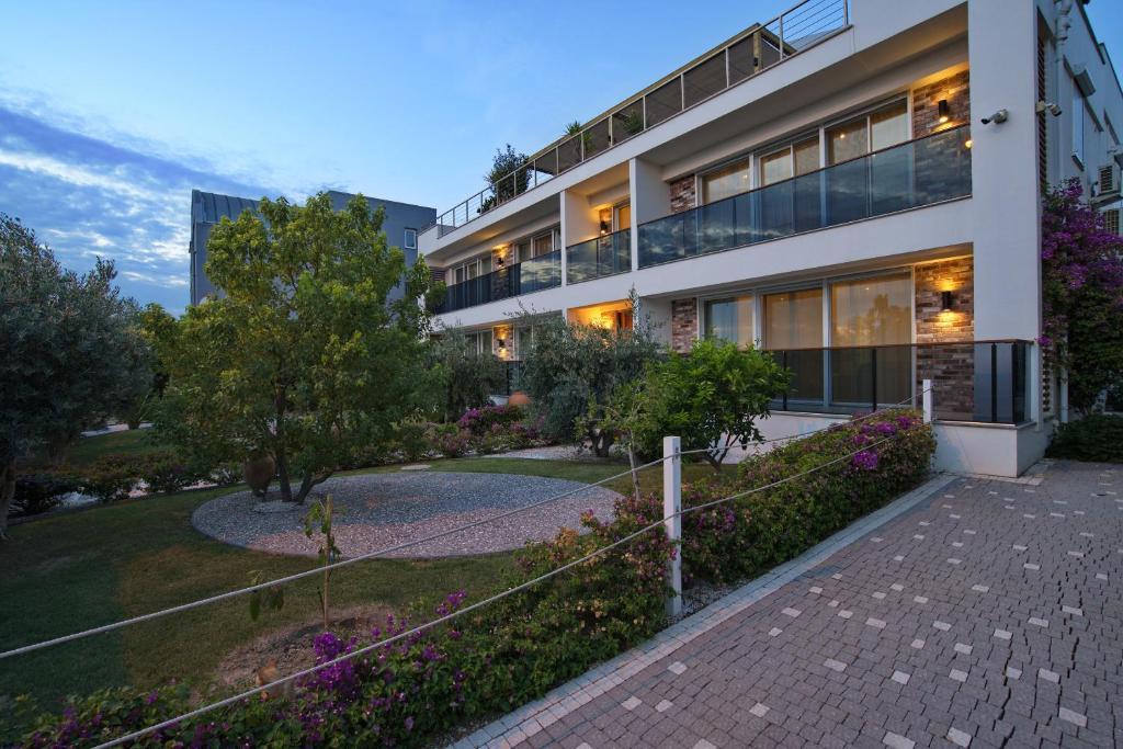 Апартаменты/квартиры  Elia Apartments  - отзывы Booking
