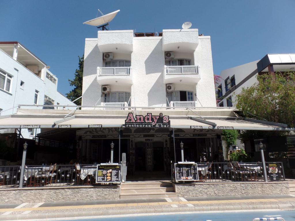 Апарт-отель  Andy's Apart Hotel  - отзывы Booking