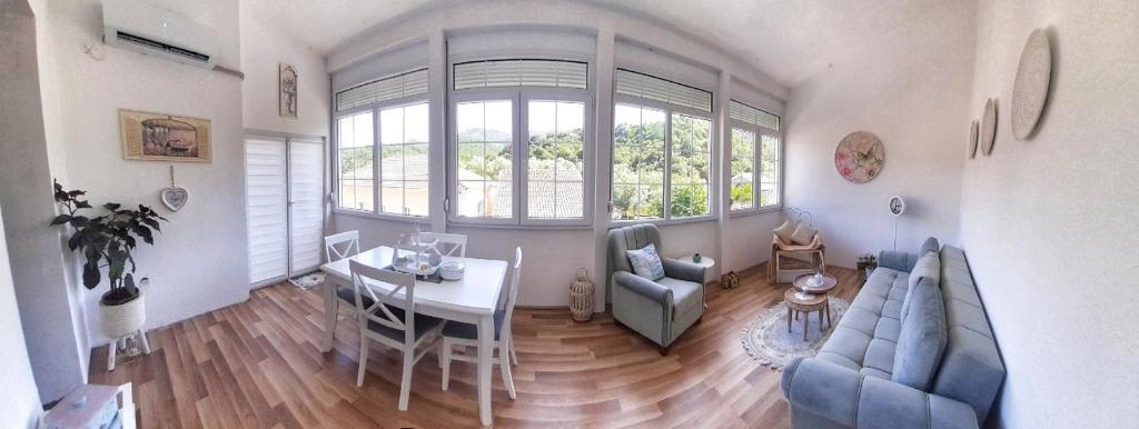 Апартаменты/квартира  Ivana  - отзывы Booking