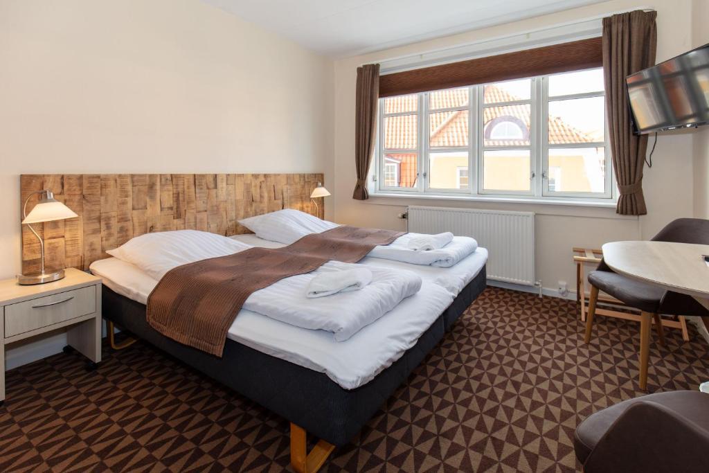 Отель  Foldens Hotel  - отзывы Booking