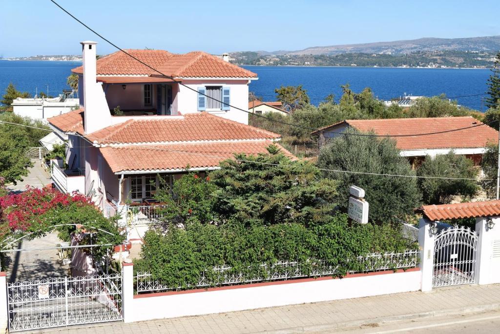 Дома для отпуска  Tzivras Villa & Apartments  - отзывы Booking