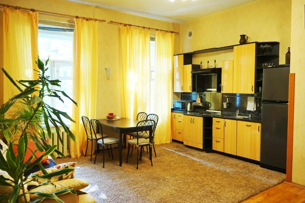 Апартаменты/квартира Apartments on Vladimirsky prospekt, 7 - отзывы Booking