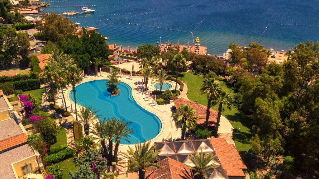 Курортный отель Divan Bodrum Palmira - отзывы Booking