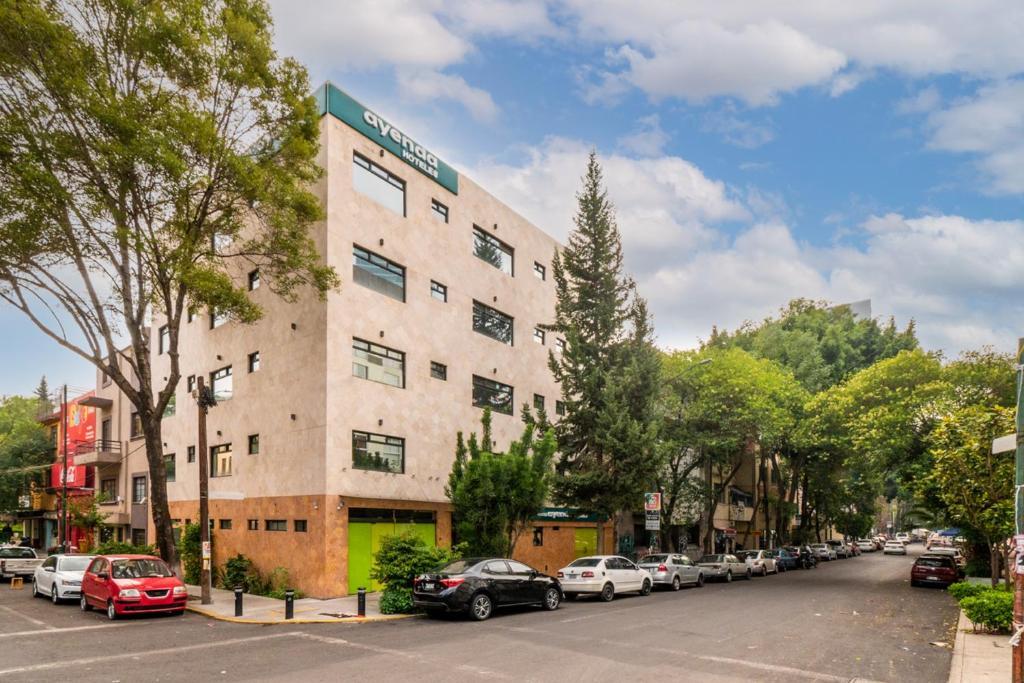 Отель  Отель  Ayenda Capital DF Inn
