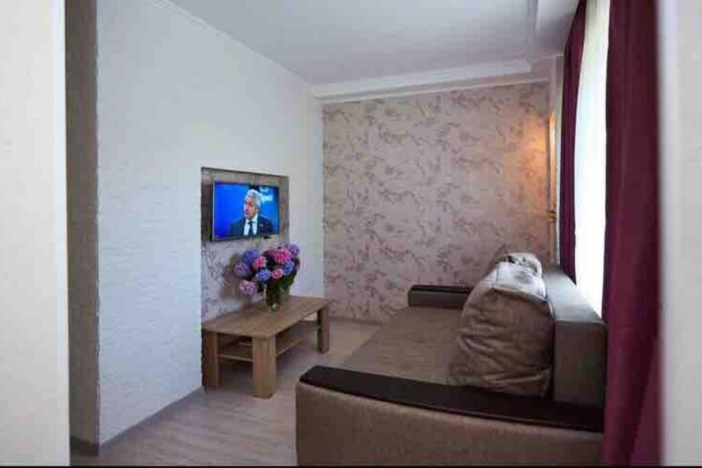 Апартаменты/квартира  1-комн кв-ра со свежим ремонтом и комплиментом от хозяина))  - отзывы Booking