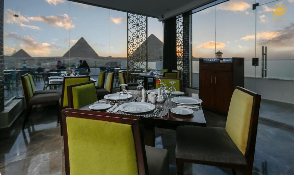 Отель Отель Mamlouk Pyramids Hotel & Spa