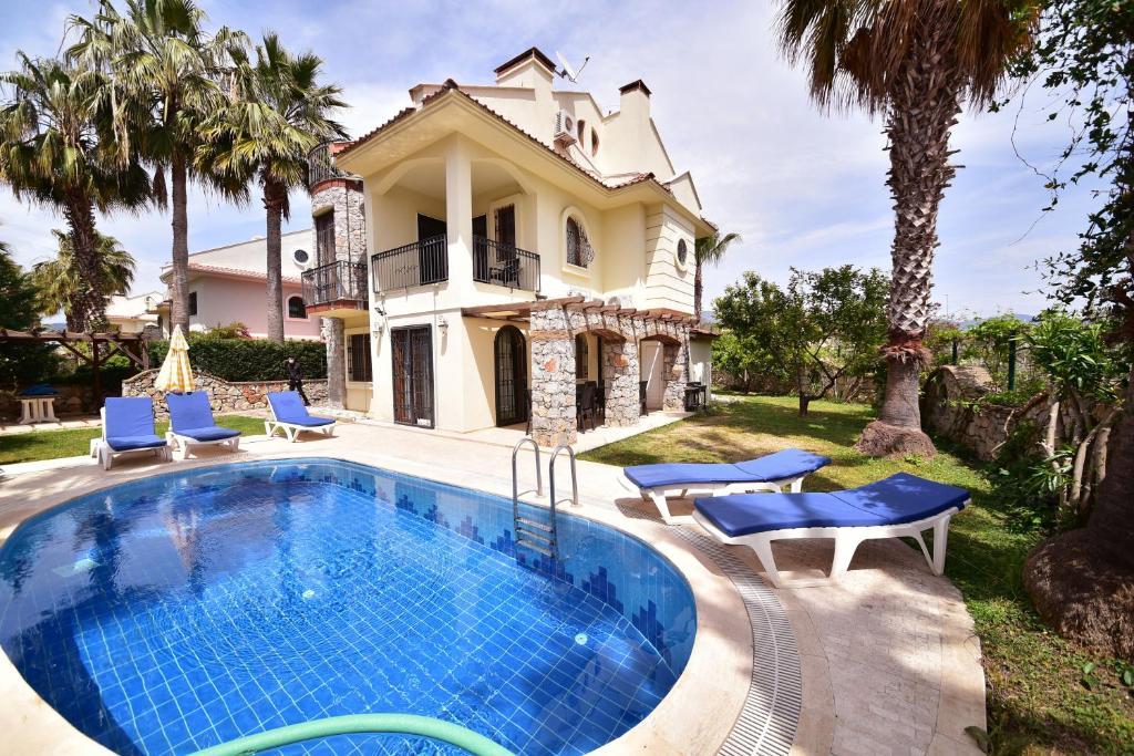 Вилла  Villa Phoenix
