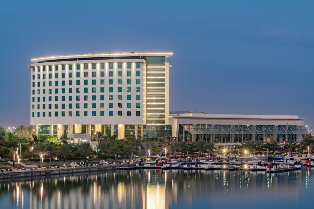 Отель Bay La Sun Hotel and Marina - KAEC - отзывы Booking