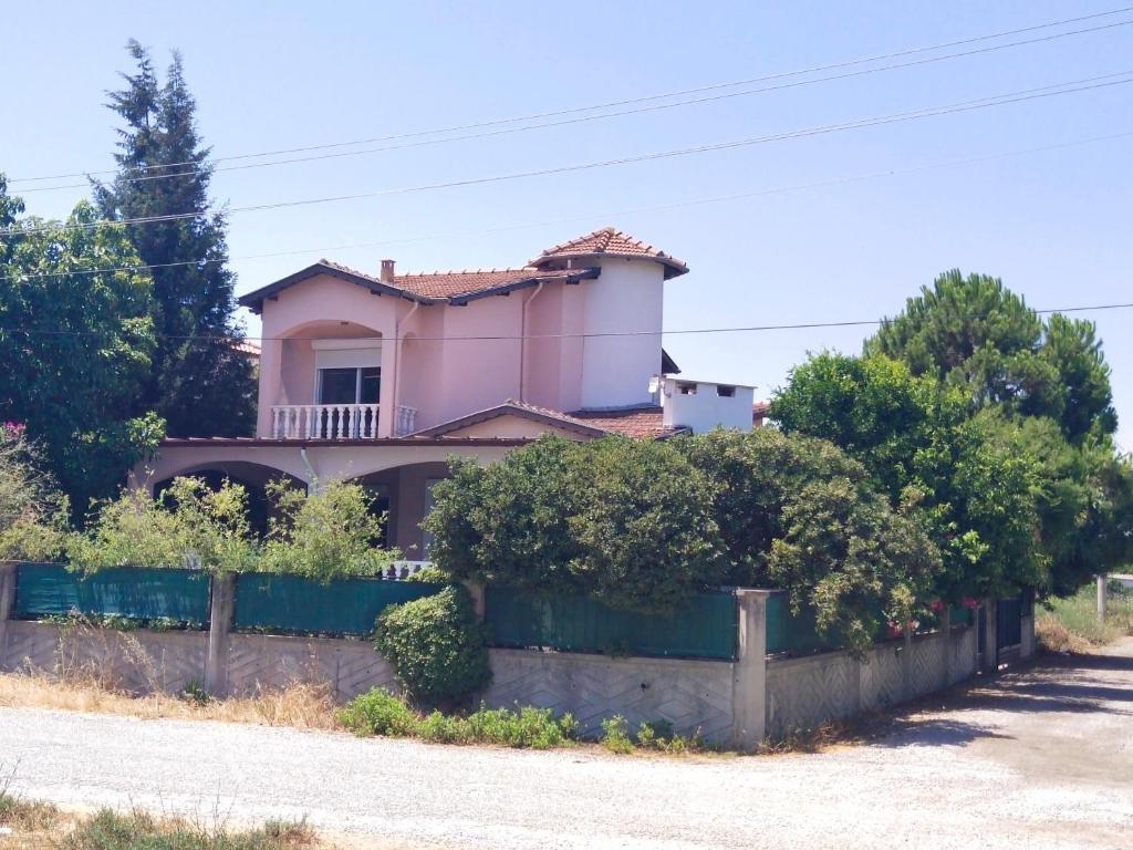 Дом для отпуска  Villa With Private Pool&garden&garage