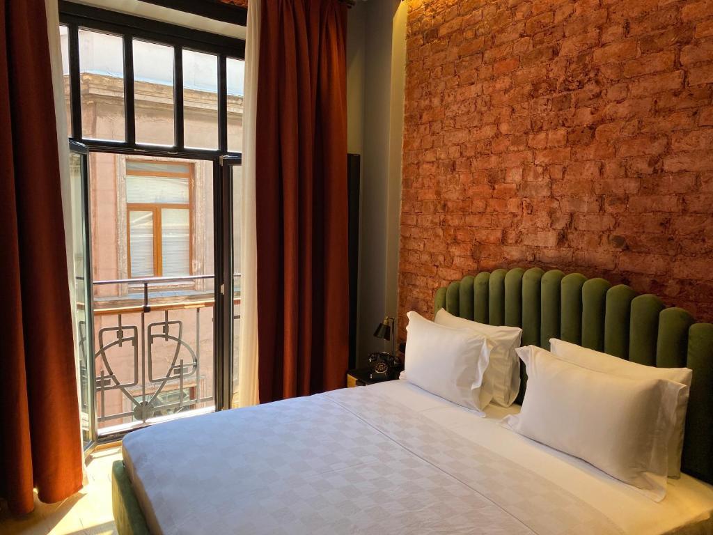 Отель  RUZ Hotels