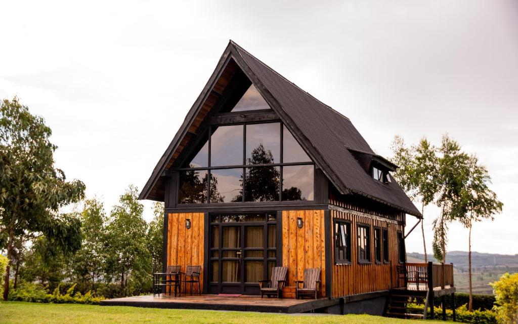 Шале  Shamba Lodge
