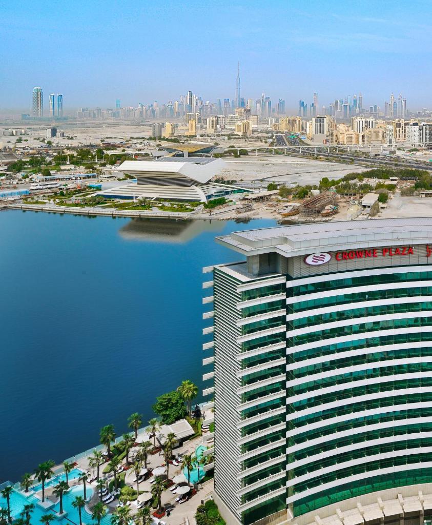 Отель  Отель  Crowne Plaza Dubai Festival City Mall, Waterfront