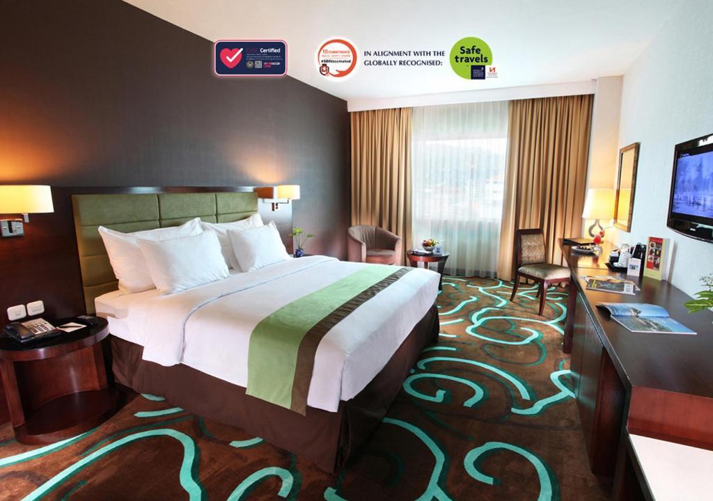 Отель  Swiss-Belhotel Ambon