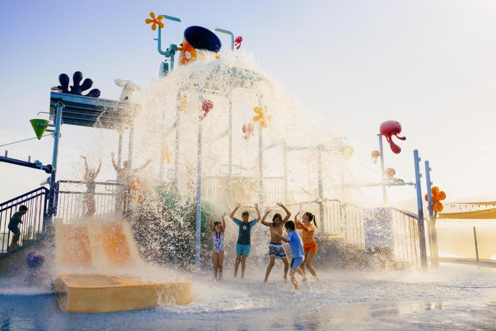 Курортный отель  Sea World Resort & Water Park  - отзывы Booking