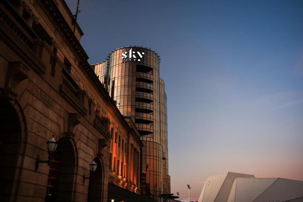 Отель  Отель  Eos By SkyCity